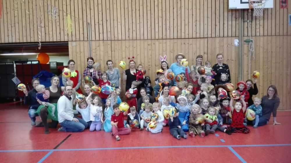 Fasching beim Mutter-Kind-Turnen 2018